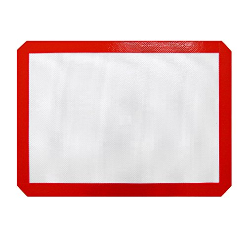 New Star Foodservice 36626 Commercial Grade Silicone Baking Mat Non-Stick Pan Liner, 11 x 17 inch (Half Size) Pack of 12