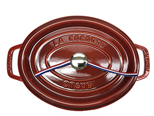 Staub Oval Oven 4.25QT Red